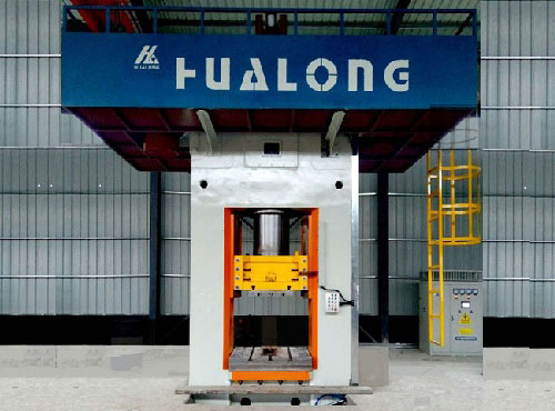 Automatic metal forging presses