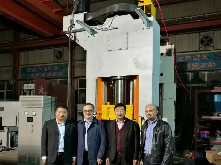 the Poland customer in haloong screw press manufacturer