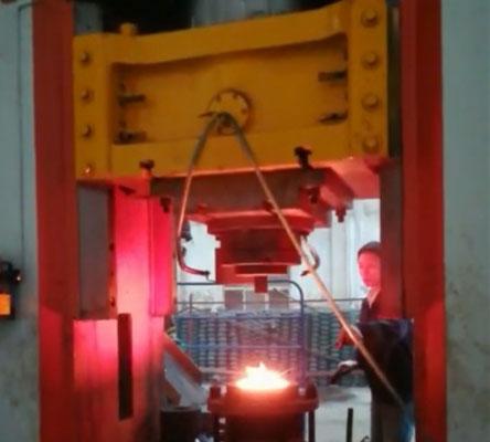 1000 tons hot forging press site